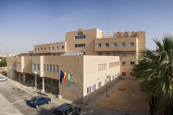 Albergue Inturjoven Almeria : Exterior of the Albergue Inturjoven Almeria Hostel in Spain