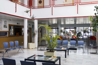 Albergue Inturjoven Almeria : Reception of the Albergue Inturjoven Almeria Hostel in Spain