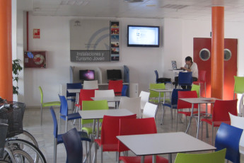 Albergue Inturjoven Almeria : communal lounge in the hostel Hostel Inturjoven Almeria in Spain