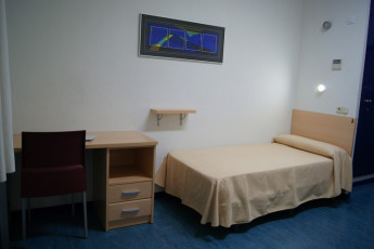 Albergue Inturjoven Huelva : Private single room in the hostel hostel Inturjoven Huelva in spain