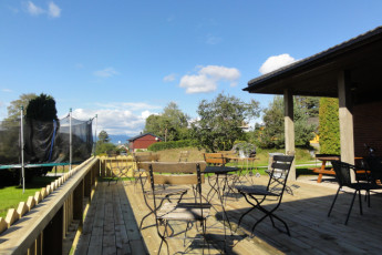 Lunde : Terrace at the Lunde hostel in Norway