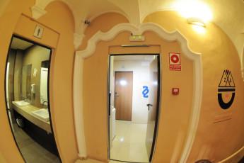 Zaragoza - La posada del Comendador : Eingang zu den Zimmern in Zaragoza - La Posada del Comendador Hostel, Spanien