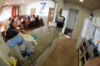 Zaragoza - La posada del Comendador : Küche und Essbereich in Zaragoza - La Posada del Comendador Hostel, Spanien