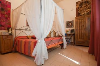 Trasimeno Lake- La Casa sul Lago Y.H. : Double Bedroom in Trasimeno Lake- La Casa sul Lago YH, Italy