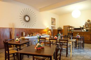 Trasimeno Lake- La Casa sul Lago Y.H. : Dining Area in Trasimeno Lake- La Casa sul Lago YH, Italy