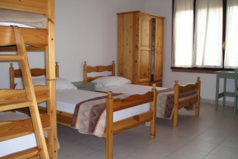 Montagnana 2 - Città Murata : Dorm Room in Montagnana 2 - Citta Murata Hostel, Italy