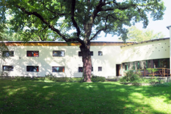 Berlin - Ernst Reuter : Exterior of the Berlin - Ernst Reuter hostel in Germany
