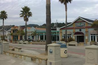 HI - San Luis Obispo : Local Amenities at San Luis Obispo Hostel, USA