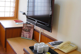 Kimmen - YAC International Youth Hostel : TV in Twin Bedroom at Kimmen - YAC International Youth Hostel, Taiwan