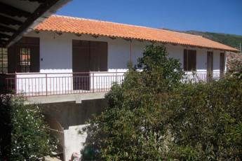El Villar - HI Hostel El Villar : Exterior View of El Villar - HI Hostel El Villar, Bolivia