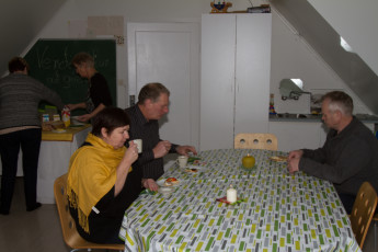 Gaulverjaskóli : Guests Dining at Gaulverjaskoli Hostel, Iceland
