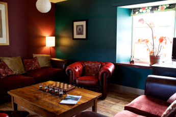 Comrie Croft : Lounge and Entertainment Area in Comrie Croft Hostel, Scotland