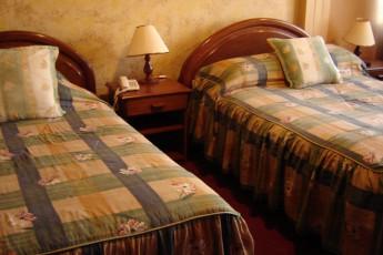 Cochabamba - HI Versalles : Twin Room in Cochabamba - Versailles Hostel, Bolivia