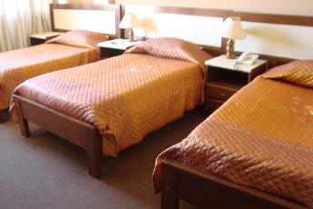 Cochabamba - HI Versalles : Triple Room in Cochabamba - Versailles Hostel, Bolivia