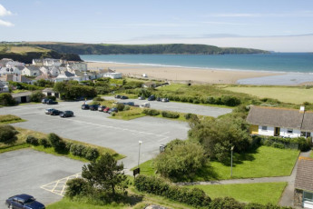 YHA Broad Haven : View from the YHA Broad Haven hostel in England