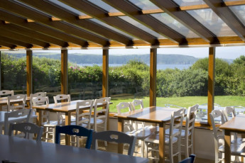 YHA Broad Haven : View from the dining room in the YHA Broad Haven hostel in England