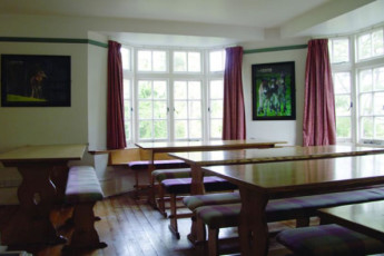 YHA Minehead : Dining room in the YHA Minehead hostel in England