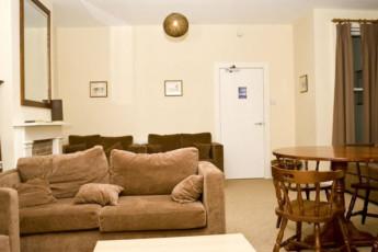 YHA Streatley : Lounge in the YHA Streatley hostel in England