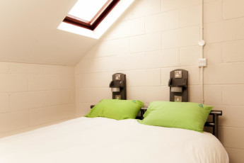 YHA York : Dormitorio doble en York Hostel, Inglaterra