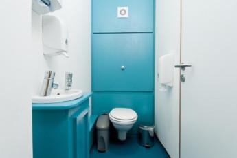 YHA York : hostal baño en York, Inglaterra