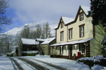 YHA Snowdon Ranger : Exterior view of the YHA Snowdon Ranger hostel in England