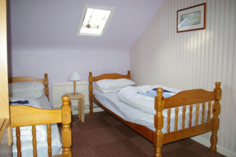 YHA Snowdon Ranger : Twin room in the YHA Snowdon Ranger hostel in England
