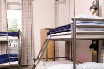 YHA Penzance : Dorm Room in Penzance Hostel, England