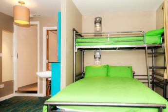 YHA Malham : Triple room in the YHA Malham hostel in England