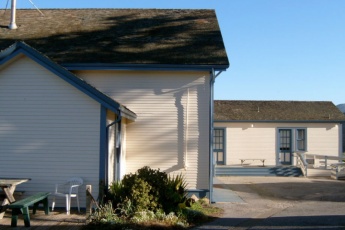 HI - Montara - Point Montara Lighthouse : Exterior View of Montara - Point Montara Lighthouse Hostel, USA