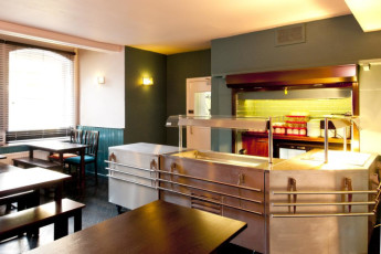 YHA Canterbury : Dining Area in Canterbury Hostel, England