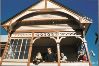 YHA Christchurch Rolleston House : Exterior view of the Christchurch, Rolleston House Hostel in New Zealand