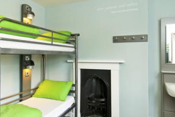 YHA Stratford : Dorm Room in Stratford Hostel, England