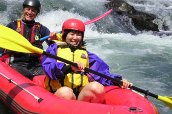 YHA National Park : Guests white water rafting near the National Park YHA hostel in New Zealand