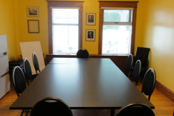 HI - Regina : Meeting Room in Regina Hostel, Canada