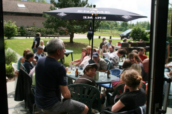 Ronse - De Fiertel : Guests Relaxing in the Garden at Ronse - De Fiertel Hostel, Belgium