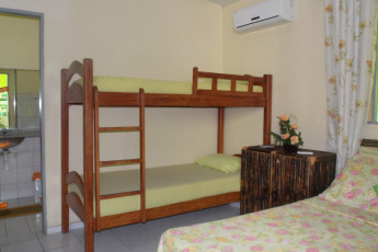 Natal Verdes Mares Hostel : Triple room in the Natal - Verdes Mares hostel in Brazil