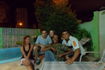 Natal Verdes Mares Hostel : Guests socialising on terrace at the Natal - Verdes Mares hostel in Brazil