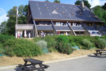 Auberge de jeunesse Hi Cancale - Mont St Michel : Exterior of the Cancale - Mont St Michel Hostel in France