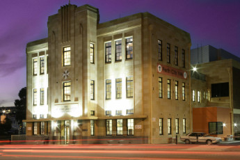 Perth City YHA : Front Exterior View of Perth City Youth Hostel Association, Australia at Night