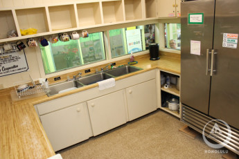 HI-Honolulu : Kitchen in the HI-Honolulu hostel in the USA