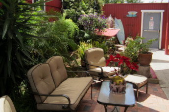 HI - San Diego - Point Loma : Gardens of the HI - San Diego - Point Loma hostel in the USA