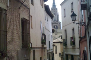 Toledo - Los Pascuales : Street near the Toledo - The Easter in Spain hostel