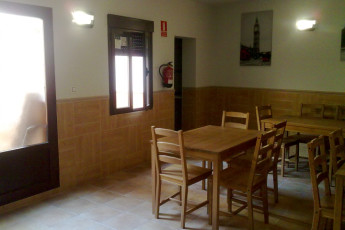 Toledo - Los Pascuales : Dining room in the Toledo - The Easter in Spain hostel