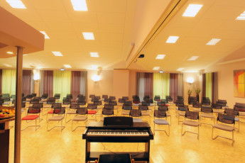Alfsee : meeting and conference room in Alfsee Hostel, Germany