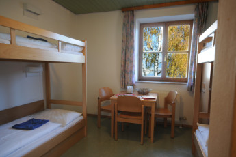 Zell am See -  Seespitzstraße : Four bed dorm in the Zell am See hostel in Austria