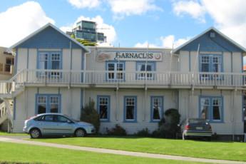YHA Paraparaumu : Front Exterior View of Paraparaumu Youth Hostel Association, New Zealand
