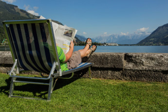 Zell am See -  Seespitzstraße : Guest relaxing outside the Zell am See hostel in Austria