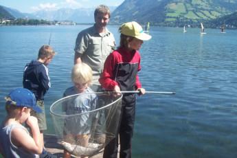 Zell am See -  Seespitzstraße : Children fishing at the Zell am See hostel in Austria