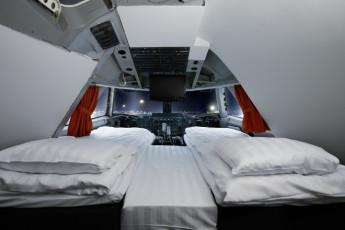 Stockholm - Arlanda/Jumbo Stay : Cockpit double room in the Jumbo Stay Hostel in Sweden
