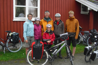 Åndalsnes : Guests Standing Outside Andalsnes Hostel, Norway With Their Bicycles